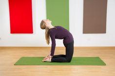 """Stefanie von Climbingflex hat gerade das ihr neues Buch, das """"Yoga-3x3 für Kletterer"""" veröffentlicht. Ja, Yoga und Klettern passen wunderbar zusammen. Wir haben sie gebeten 2 unserer Yogamatten unter die Lupe zu nehmen. Hier seht ihr den Testbericht: http://www.climbingflex.de/yogamatten-test-asanayoga/ pinned with Pinvolve - pinvolve.co"""