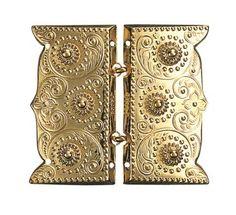 Forgylt beltespenne for påsying - H. Bookends, Home Decor, Threading, Decoration Home, Room Decor, Home Interior Design, Home Decoration, Interior Design