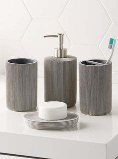 Bathroom accesssories & wastebaskets at La Maison Simons online store. Shop the hottest styles and trends in home décor, home accessories, home fashions and more. Modern Bathroom Accessories, Modern Bathroom Decor, Bathroom Interior Design, Bath Accessories, Modern Decor, Zen Bathroom, Steam Showers Bathroom, Master Bathroom, Bathroom Ideas