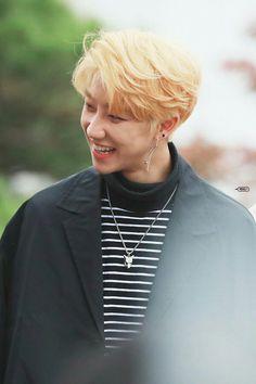 My baby~ Minghao's so pretty