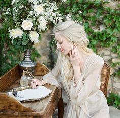 An ethereal romantic photo shoot set in Spain that is the ultimate wedding inspiration: whimsical and elegant. Story Inspiration, Writing Inspiration, Character Inspiration, Hawke Dragon Age, Spanish Wedding, Photo Portrait, Romantic Photos, Portraits, Outlander