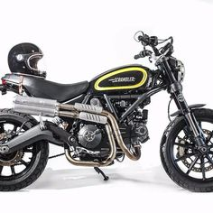 Well guys, now that the finalist of the contest have been announced, let's check some Scrambler customization outside the Custom Rumble competition!! What do you think about this @cafericycles Special?! #customrumble #custommotorcycle #caferacersofinstagram