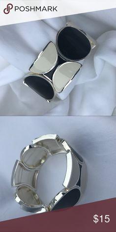 WHITE HOUSE BLACK MARKET BRACELET NWOT WHBM COLOR BLOCK STRETCH BRACELET. SORRY NO TRADES. White House Black Market Jewelry Bracelets