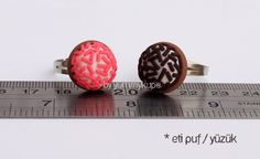 Çilekli Eti Puf   #fashion #design #miniature #food #art #miniaturefoodart #polymerclay #clay #minyatur #polimerkil #kil #nutella #tasarim #taki #sanat #moda #sokak #tutorial #yummykupe #mold #kalip #nasil #bileklik #kolye #kupe #yuzuk #aksesuar #kadin #ring #earring #accesorie #necklace #etipuf #cilek #strawberry #cikolata #chocolate