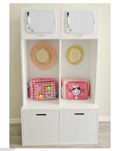 A tidy and organised area for school bags, hats and books - The Organised Housewife School Bag Organization, School Bag Storage, Backpack Organization, Small Space Organization, Home Organisation, Smart Storage, Diy Storage, Storage Shelves, Organised Housewife