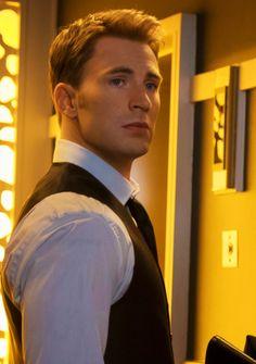 "Chris Evans as Steve Rogers/Captain America in ""Captain America: Civil War"" (2016). #ChrisEvans #SteveRogers #CaptainAmerica"