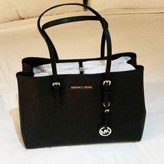 Michael Kors Handbags Save 40-70% on KORS Michael Kors!