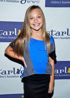"Maddie Ziegler Pictures - ""Dance Moms"" Fan Meet And Greet Benefiting Starlight Children's Foundation - Zimbio"