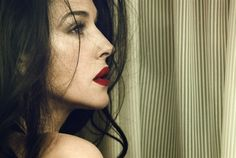 monica-bellucci-vanity-fair-italia-may-2012-7