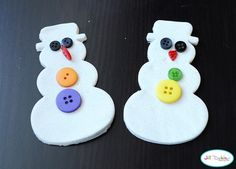 10 Playdough Recipes and Activities (a few would work for gifts)