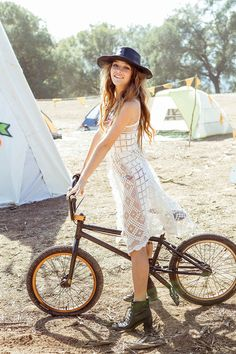 Festival Style #coachella #music #festival #cute #fashion #trendy #style #stylish #california #travel #freespirit #trending #cute #cool #exciting #inspiration #muse