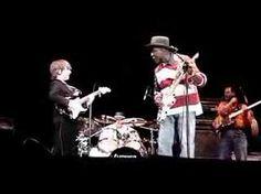 The legendary blues guitar hero, Buddy Guy, invites 8 year old guitar whiz Quinn Sullivan on stage for an impromptu jam!!!  myspace.com/quinnsullivan8