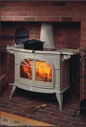 Contact Obadiah's Woodstoves for your Vermont Castings Defiant Flexburn Two-In-One Convertible Catalytic/Non-Catalytic Wood Stove. Vermont Castings Wood Stove, Wood Burning Logs, Wood Stove Surround, Wood Pellet Stoves, Freestanding Fireplace, Stove Fireplace, Fireplace Ideas, Cooking Stove, Houses