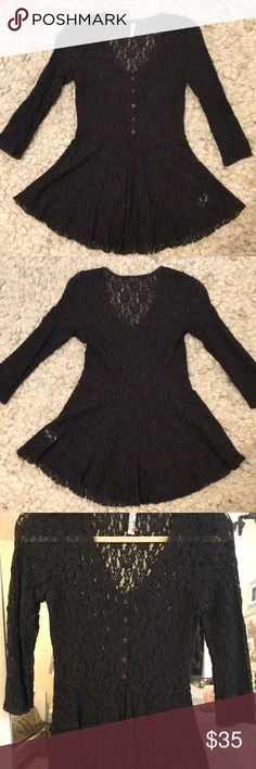 Free People Lace Peplum Henley EUC, no flaws at all despite being worn quite a few times. Substantial stretchy Lace is very durable and high quality, even better than similar Joie pieces, so this top has an expensive feel. Figure hugging and form flattering, Lace hangs beautifully with a good weight. Color is more like a washed black or super dark charcoal than true black or gray. Bottom hem is designed as raw edged. No piling anywhere on blouse. This is a FP top that I'd definitely true to…