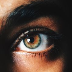 ♔Coffee aesthetic with beautiful eyes. Pretty Eyes, Cool Eyes, Beautiful Eyes, Brown Eyes Aesthetic, Disney Aesthetic, Human Eye, Eye Photography, Hazel Eyes, Eye Art