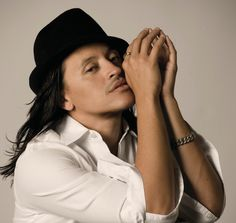 Elvis Crespo. Love this man!! Latino Artists, Music Artists, Music Love, Listening To Music, Elvis Crespo, History Of Television, Latin Music, Photo Checks, Film Music Books