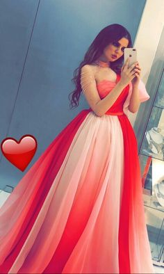Top Tips To Help You Be More Stylish. Cute Red Dresses, Pretty Prom Dresses, Bridal Dresses, Beautiful Dresses, Cute Girl Poses, Girl Photo Poses, Girl Photos, Stylish Girls Photos, Stylish Girl Pic