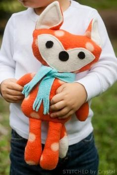 Adorable Free Sewing Patterns for Stuffies, Plushies, Stuffed Animals and Other Felt and Fabric Toys- Stuffed Fox Sewing Pattern from Stitched By Crystal Sewing Toys, Sewing Crafts, Sewing Projects, Baby Sewing, Knitting Projects, Diy Projects, Sewing Stuffed Animals, Stuffed Animal Patterns, Felt Stuffed Animals