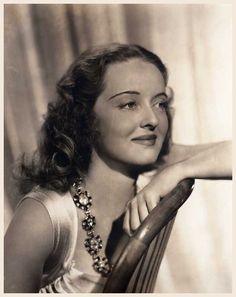 Bette DAVIS '30-40-50 (5 Avril 1908 - 6 Octobre 1989)