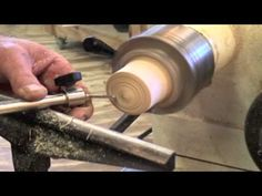 George Vondriska shows how a chatter tool can be used to improve your woodturning. Woodworkersjournal.com