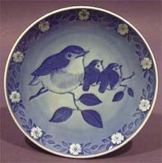 1982 Royal Copenhagen Mother's Day Plate - Bird by Royal Copenhagen. $30.00