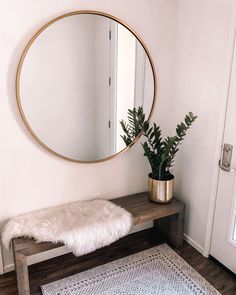 entryway with large round mirror Home Interior Design, Interior Decorating, Hallway Decorating, Decorating Ideas, Living Room Decor, Bedroom Decor, Decor Room, Home Decor Inspiration, Decor Ideas