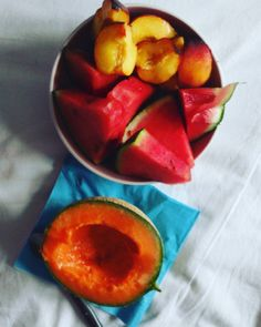 This is life  #fruits#diner#melon#watermelon#peach#bowl#fruitbowl#claneating#cleanfood#food#foodporn#healthy#plantbased#healthyfood#healthyeating#healthylife#vegan#veganfood#veganfoodshare##vegetarian#vegetarianfood#yummy#love#fit#intermittentfasting#pasteque#inspiration#colors by frenchyfoodydeluge