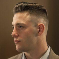 coupe cheveux homme d'affaires dans le domaine de l'activite sportive ou dans le service légal
