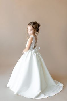Ivory Flower Girl Dress with train Junior bridesmaid dress Lace dress Baby girl dress Tulle dress Wedding girl dress Tutu flower girl dress Gowns For Girls, Wedding Dresses For Girls, Wedding Bridesmaid Dresses, Girls Dresses, Flower Girl Gown, Ivory Flower Girl Dresses, Flower Girls, Lace Weddings, Country Weddings