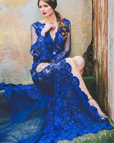 Amazing electric blue wedding gown // CINEMA PARADISO Spring/Summer 15-16 #SANTELIA 'Allegra' Couture Gown