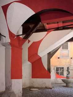 Felice Varini - A 2D street art master > FROM WRONG PERSECTIVE