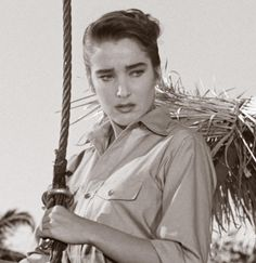 Universal Monsters — In memory of Julia Adams who has passed away on. Turner Classic Movies, Classic Horror Movies, The Mummy's Hand, Julia And Julie, Creature Movie, Frankenstein 1931, Julie Adams, Carolyn Jones, Dance Of Death
