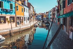 "Fool the locals and sound ""molto Italiano"" with these common Italian phrases that Italians love to use every day. Acqua in bocca! Funny Italian Sayings, Italian Phrases, Italian Quotes, Venice Travel Guide, Italian Humor, Sydney City, Passport Travel, Italian Language, Learning Italian"