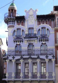 Casa de Tejidos 'El Torico' by Pablo Monguió Segura in Teruel
