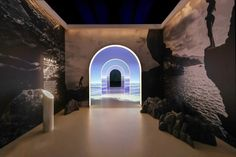 La Mer immerses consumers in Edge of the Sea exhibition Innovation Books, Brand Innovation, Kelp Forest, Retail Experience, Sea Waves, Best Cities, Shanghai, Three Dimensional, Storytelling