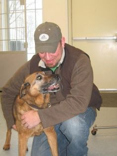 Good Samaritan comes to the rescue of lost elderly dog