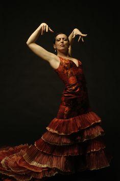 Inmaculada Ortega http://quemireuste.wordpress.com/calendario-pubblicazioni-artisti-spagnoli/inmaculada-ortega/