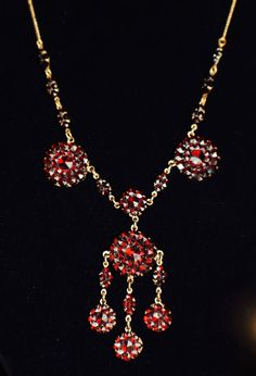 Vintage Art Deco Glass Garnet Bohemian Necklace Fine Costume Jewelry