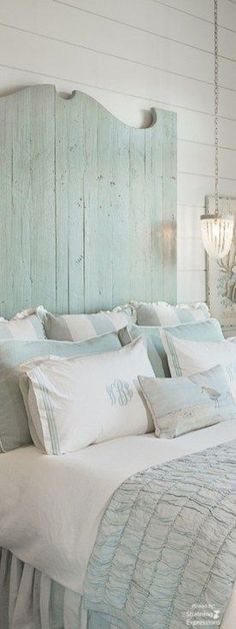 Romantic Shabby Chic Cottage Decoration Ideas 54