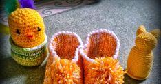 Neuloosi vaivaa neljässä sukupolvessa. Isomummi 96v, mummi 68v, minä 45v ja minun lapset 20, 18, 14 ja 10v. Puikot viuhuu! :) Slippers, Socks, Crochet, Tricot, Slipper, Sock, Ganchillo, Stockings, Crocheting