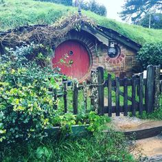 """hkaiwai: """"Ano.  Více Hobbit domovy.  Ale toto místo jako náklady $ 79 až…"""