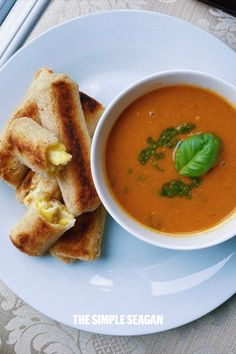 Plum Tomatoes, Cherry Tomatoes, Roma Tomatoes, Roasted Tomato Basil Soup, Roasted Tomatoes, Vegan Pesto, Vegan Grilling, Soup And Sandwich, Top Recipes