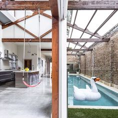 Warehouse conversion in Inner Sydney Warehouse Living, Warehouse Home, Warehouse Design, Warehouse Apartment, Converted Warehouse, Warehouse Conversion, Loft Conversions, Warehouse Renovation, Interior Architecture