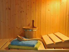 EAT SMARTER klärt auf, ob in der Sauna eine Fettverbrennung stattfindet.