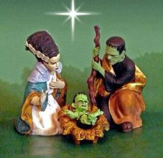 Frankenstein, Bride of Frankenstein and monster baby nativity scene figurines - Halloween and/or Christmas decoration Kitsch, Halloween Crafts, Halloween Decorations, Halloween Stuff, Halloween Village, Halloween Ideas, Christmas Decorations, Rockabilly, Dark Christmas