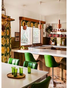 A Truly Fabulous 1970s Home Untouched Since It Was Built!