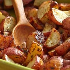 The Hidden Valley® Original Ranch® Seasoning and Salad Dressing Mix Shaker is perfect in recipes and as an all-around seasoning. Red Potato Recipes, Roasted Potato Recipes, Roasted Potatoes, Chicken Recipes, Potato Dishes, Ranch Red Potatoes, Small Red Potatoes, Yukon Potatoes, Russet Potatoes
