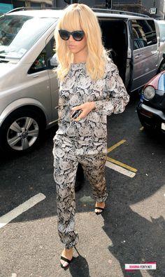 Rihanna personal street style candid 2012 fenty blondanna blonde hair