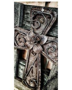 #MyHouse #MyCanvas #MyFriendsQuote #Home_is_where_the_heart_is #EnjoyingLife #LivingLife #Creativity #CellPhone_Photography #AnnaJ