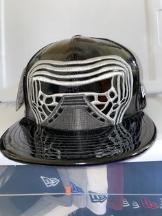 Silver//Black Star Wars Mens New Era Big Face 59FIFTY Fitted Cap Hat
